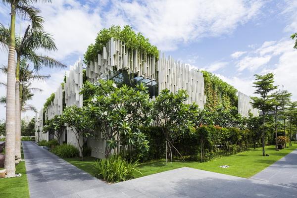 Naman温泉会所植物墙  梦幻而宁静的绿色园林